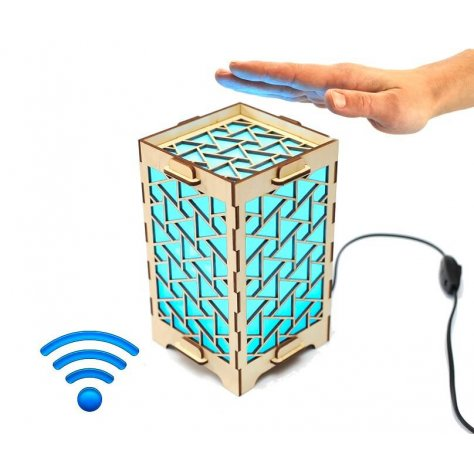long-distance-lamp-blue-triangles-main